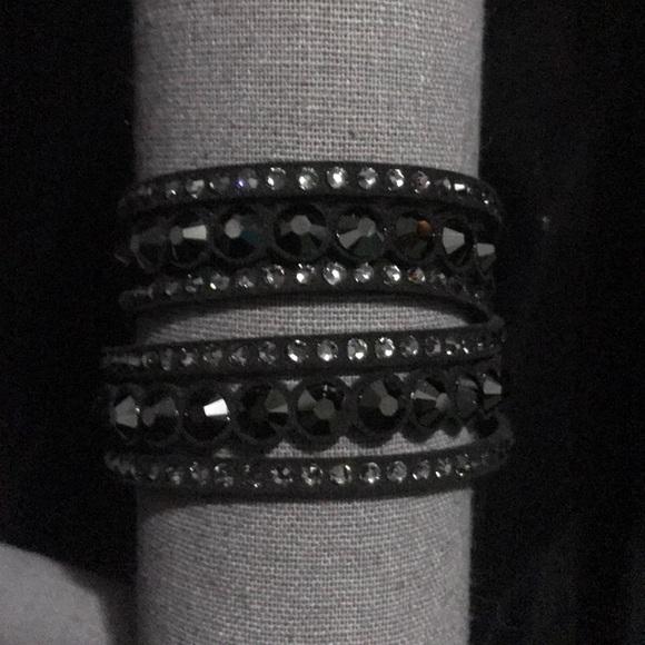0be387afd3909 Slake Black Bracelet Swarovskifeed - Fxund.us